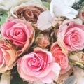 Bukiet ślubny w kolorze pudrowego różu